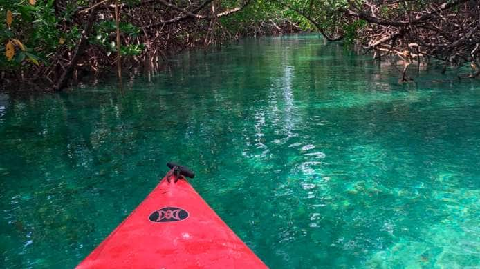 Kayak nel Parco Nazionale Lucayan, Isole Bahamas