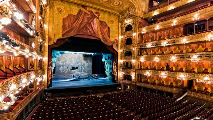 Teatro Colon, Buenos Aires  @mdm7807-Shutterstock